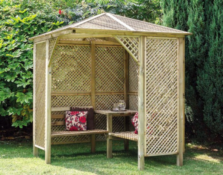Garden furniture £1000.jpg