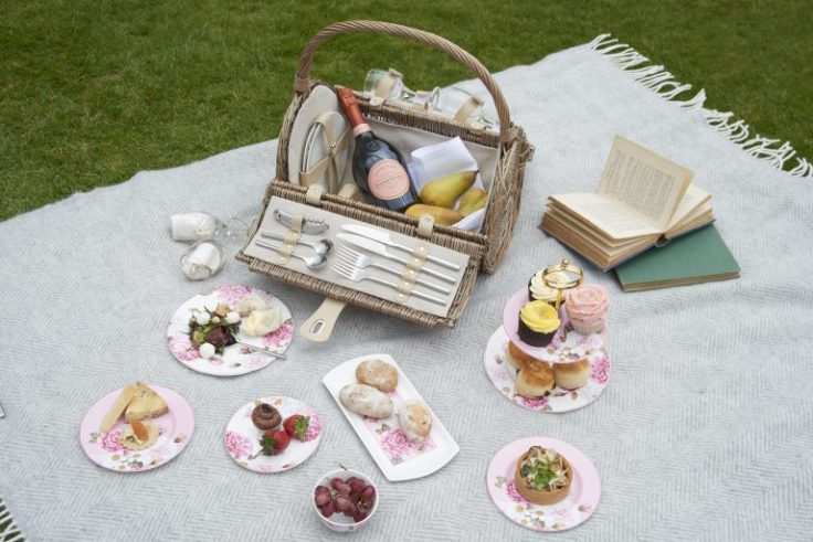 hampton court picnic