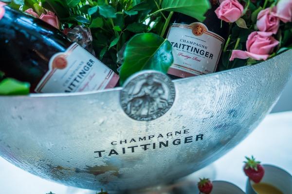 3 magnums of champgne
